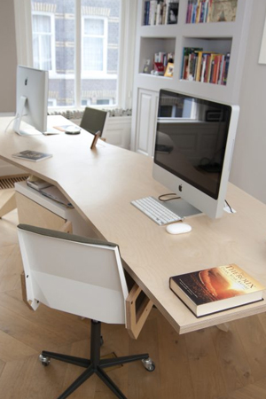 Organising Office Table To Boost Productivity